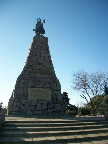 """Barrio Belgrano - """"Bajos de Belgrano"""" - Monumento a Güemes, Buenos Aires."""