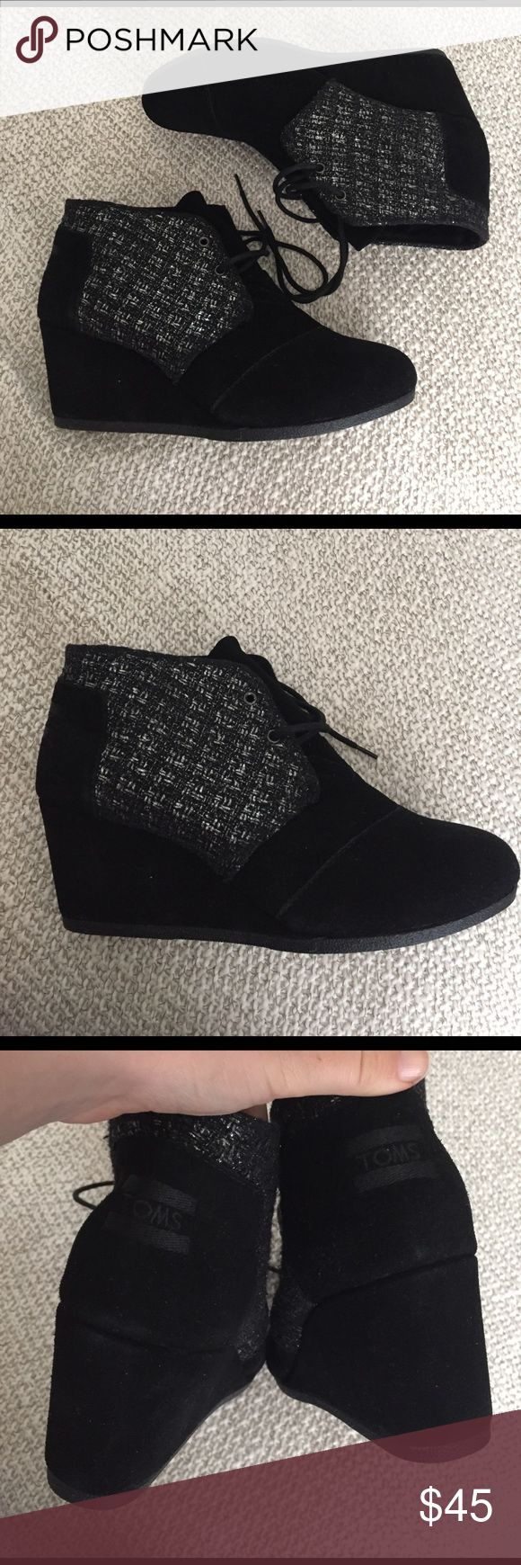 Toms desert wedge booties tweed 9.5lace up boots NEW Toms desert wedge lace up booties. These have never been worn, but the back suede has a light rub that's not noticeable, just wanted to put it out there 😊. Amazing, versatile boots. No tags or box TOMS Shoes Ankle Boots & Booties