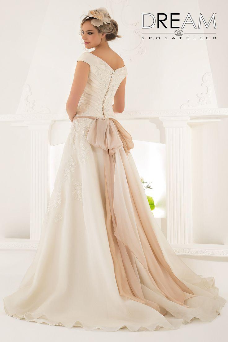 """DREAM SPOSA ATELIER Abito da sposa in organza di seta """"Mod. DAMA """" Bridal dress in silk organza """"Mod. DAMA"""" #dreamsposa #dreamsposaatelier #abitidasposaroma #abitidasposa #bridaldresses #wedding #bridaldesign #hautecouture #fashion #moda #altamoda #abitidasposaesclusivi #modasposa #nonsolomoda #catwalk #paris #london #milano #newyork #vestitidasposa #vestitidasposaroma"""