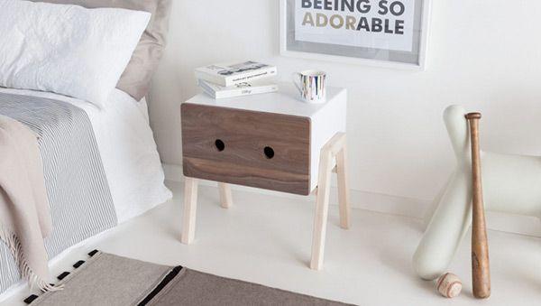"""Simple et plutôt sympathique, clin d'oeil pour l'excellente """"Ottone"""", une jolie table de chevet créée par la designerLaura Pirrone pour l'éditeur Formabilio.  Plus de détails en images dans la galerie  Design by Laura Pirrone for Formabilio"""