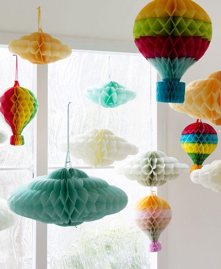 窓辺にピッタリ。気球と雲を飾ると楽しさ倍増。ハニカムボール・バルーン・クラウドシェイプ。#PAPER HONEYCOMB BALOON  #ペーパー ハニカム バルーン #PAPER HONEYCOMB CLOUD SHAPE #ペーパー ハニカム クラウドシェイプ #雲ハニカム