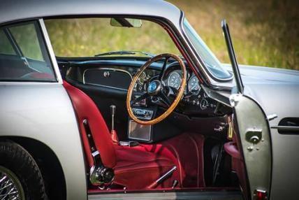 Concours 1964 Silver Aston Martin DB5 #VCI #vintagecars #classiccars