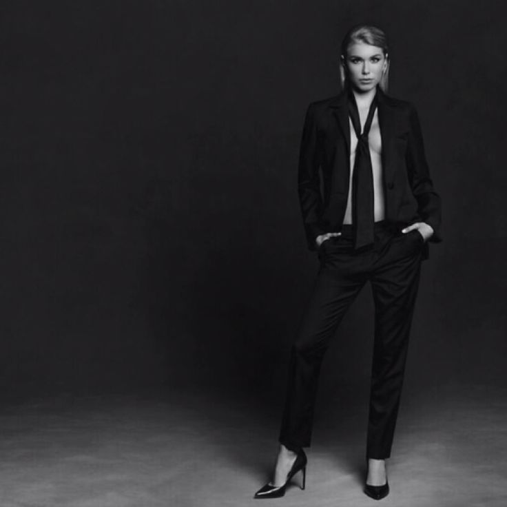 From desk to dinner. Women's suits for the office and beyond