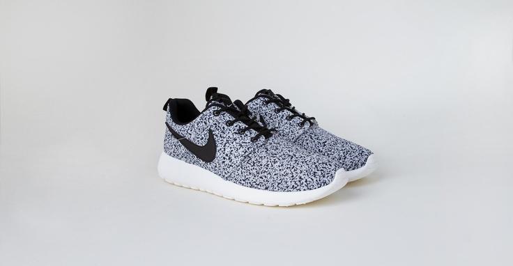 roshe tennis shoes