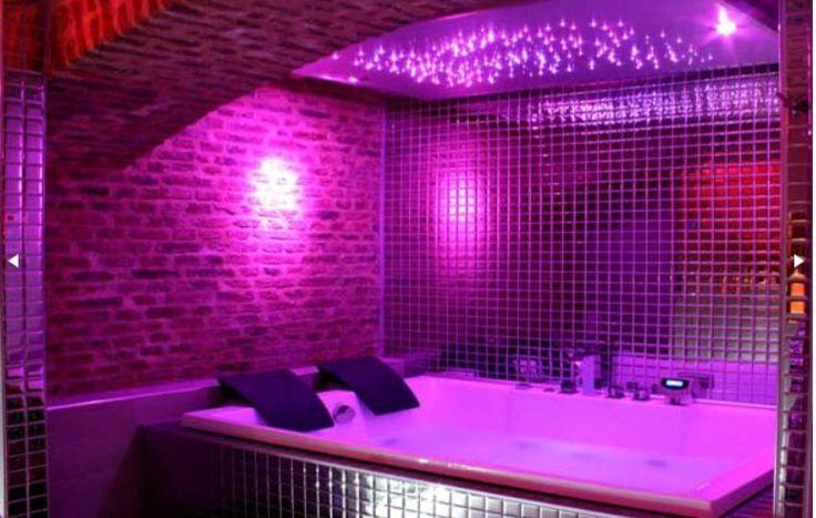 Room40 By Private Room Un Concept Unique Pres De Paris Qui Vous Transporte Dans Un Cadre Intime Et Glamour Ww Jacuzzi Sauna Maison Salles De Bains De Reve