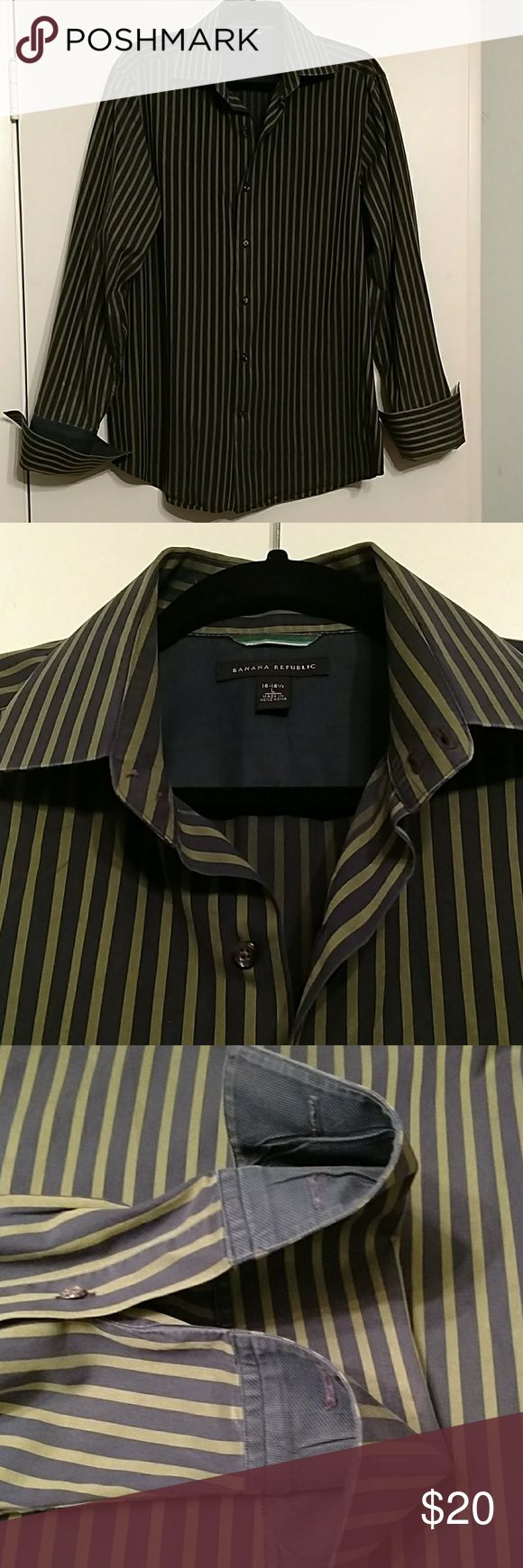 Banana Republic French cuff Navy and green button down with French cuff (cufflinks not included). Size Large 16-16 1/2. Gently worn. Banana Republic Shirts Dress Shirts