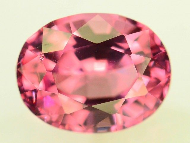Certified~2.59 CT Untreated Sparkling Spinel~RRP 4000.00