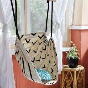 You can make this awesome hanging chair! These would be great on a porch!!