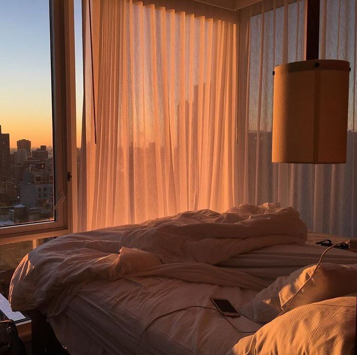 панорамные окна и белое белье, как в отелях—супер, обожаю