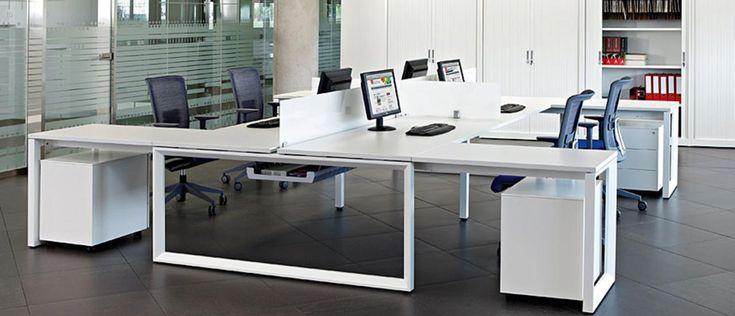 Mesas blancas para oficinas modernas mesas de oficina for Recepciones modernas para oficinas