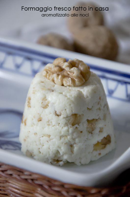 Formaggio fresco fatto in casa aromatizzato alle noci, ricetta facile