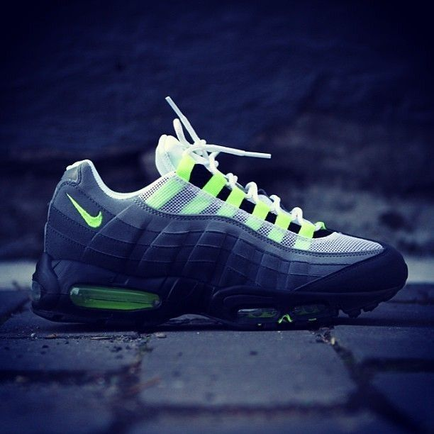 Nike Air Max 95 Neon ☮★ DiamondB! Pinned ★☮