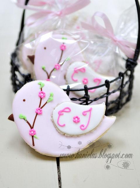bird cookies//  Encontrado en flickr.com  Flickr Bird Cookies for Twin Baby Shower por Haniela en Flickr