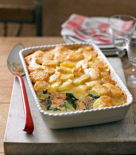 Zalm ovenschotel met spinazie en aardappelkorstje