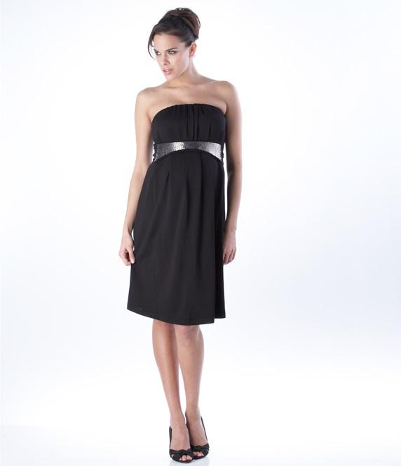 Rochie pentru gravide si femei frumoase, fara bretele, sofisticata. Este opţiunea perfectă pentru a fi glamour la orice fel de party. Fie ca este vorba o nunta sau un cocktail formal, acesta tinuta te ajuta sa fii in trend.