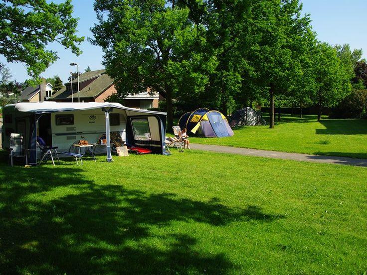 Van Saaze Hotel Kraggenburg in Kraggenburg, Flevoland Eén van de unieke kampeerlocaties tijdens Uit-jeTent Weekend Noordoostpolder. Voordelig kamperen en heel veel activiteiten.