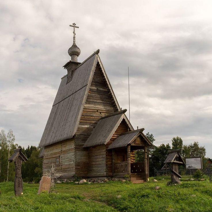 Кажется самая старая из сохранившихся деревянных церквей в России. Плёс начало сентября  #плёс #деревяннаяцерковь #самаястараяцерковь