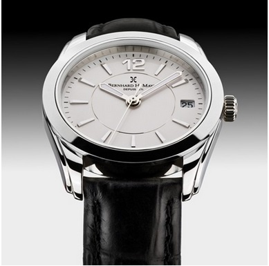 Stella  'Confidence is Your Accessory' Elegant, sleek, polished and minimalistic design, accuracy of Swiss movement, and demonstration of an undeniable sense of style and self-confidence; with the Stella watch, there's nothing else to wish for. This smart timepiece will tell your business partners all about you: intellectual business lady, confident and sharp-witted. Antireflective coating of sapphire crystal glass and a date window ensures your everyday efficiency.