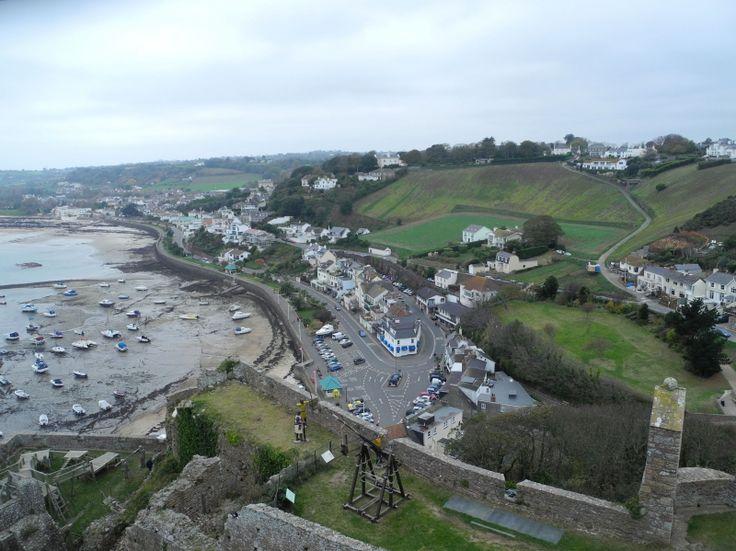 Village Gorey near by Mont Orgueil Castle, Gorey harbour, Jersey beaches #JerseyIsland #Jersey #ChannelIslands #EnglishChannel