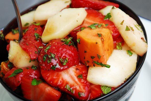 fresa, pera, papa y hierbabuena