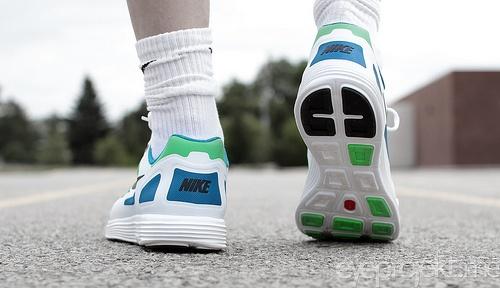 Nike Lunar Flow+ Neo Lime