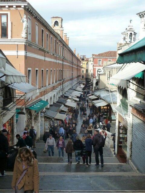 #mytripadvice: Venice Check out the market area near the Rialto Bridge