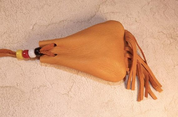 Leather Medicine Bag Necklace White Sage von PTurnbullandBishop