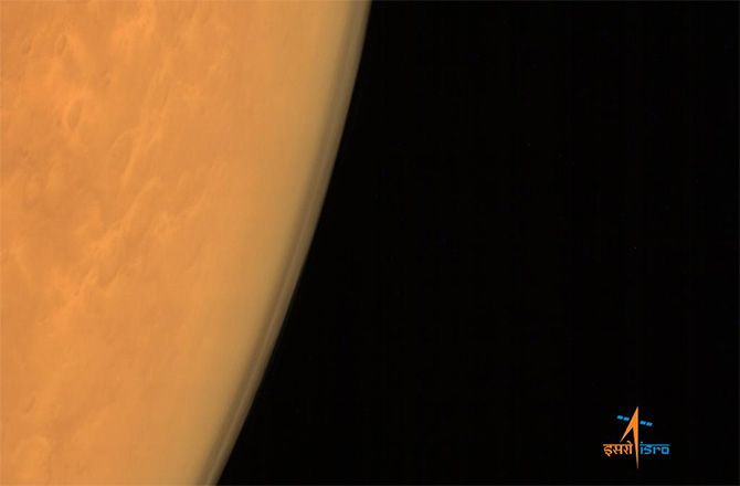 Mangalyaan images of the Mars limb along with its atmosphere