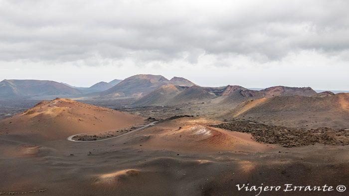Visitar Timanfaya Las Montañas De Fuego Del Parque Nacional Viajero Errante Parques Nacionales Parques Isla De Lanzarote