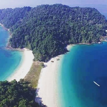 Mergui Archipelago Myanmar. #mergui #archipelagos #island #myeik #kawthaung #instatravel #myanmar #adventuretrip #solo #travelaroundtheworld #igtravel