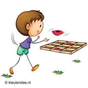 Tic tac toe met pittenzakken, outdoor spelen voor kleuters, kleuteridee.nl , tic tac toe with beanbags, outdoor games for preschool.