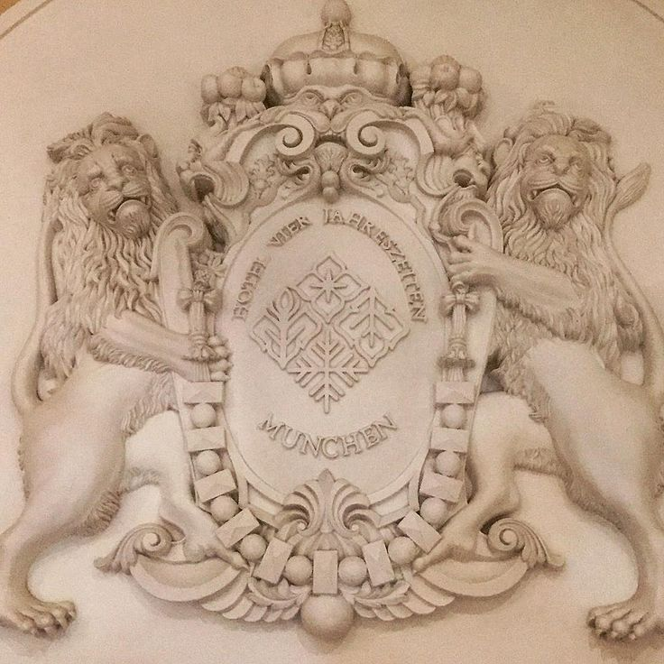 München #architecture #architecturephotography #architecturelovers #architettura #arquitectura #arquitetura #arkitektur #arkitektura #mimari #münchen #monacodibaviera #munich #bayern #baviera #bavaria #deutschland #germania #alemania #germany #lion #leone #leon #cat #kedi #gatto #chat #gato #katze http://turkrazzi.com/ipost/1523980006748733048/?code=BUmQ73jDj54