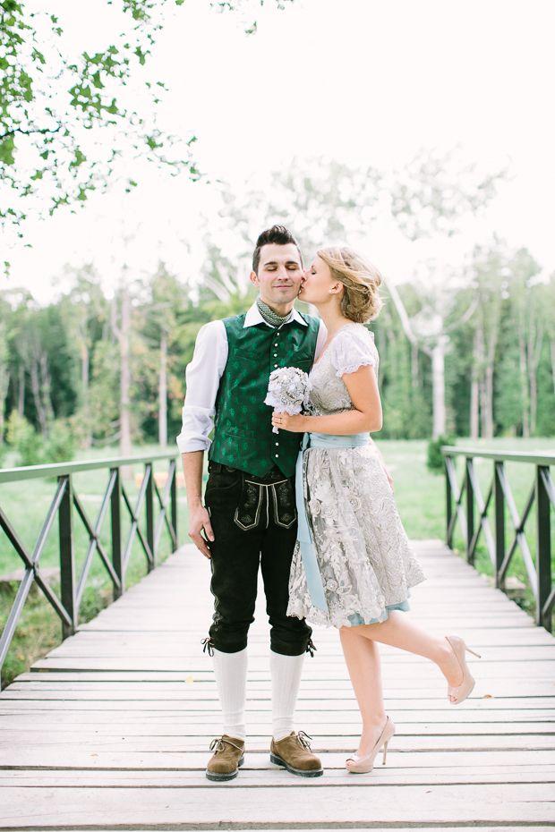 Österreichische Dirndl-Hochzeit fotografiert von http://www.karlbluemel.com auf http://www.lieschen-heiratet.de