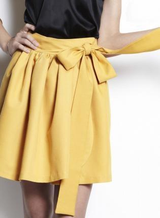 Yellow Wrap skirt: Wrap Skirts, Yellow Bows, Yellow Skirts, Bows Skirts, Twill Wraps, Wraps Skirts, Cute Skirts, Colors Yellow, Yellow Wraps