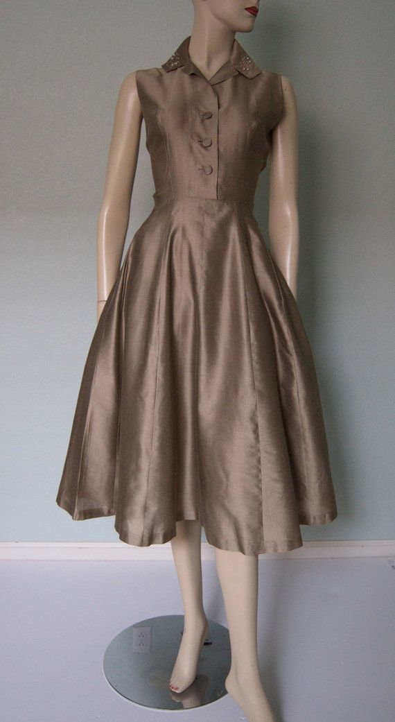 Special 1950s Raw Silk Shantung Taffeta // Metallic Chestnut Bronze Tone // Beautifully Tailored Fit and Flare Dress //