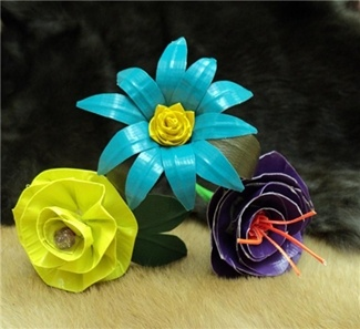Duct tape flowers - I want to learn how to make these