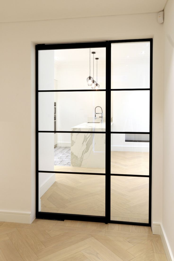 IQ Glass recently installed their new Mondrian internal doors to this modern home. These steel framed doors give the home a modern art deco design and aesthetic.