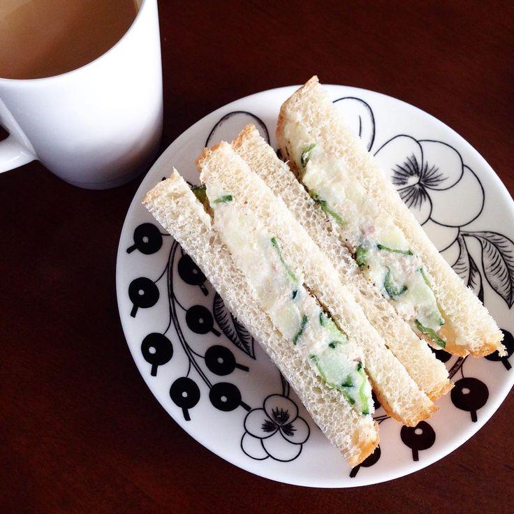 ポテトサラダとサンドイッチの相性は抜群で、きっとそのおいしさがやみつきになってしまうはず!チキンなどと一緒にはさんだり、アボカドなどを加えてもおいしいですよ!アレンジして自分だけのポテサラサンドをつくってみましょう。