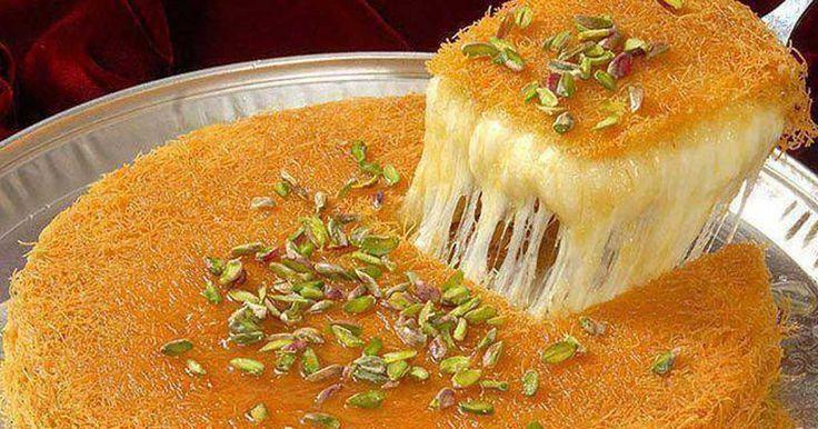 """Οι περισσότεροι γνωρίζουν το κλασικό σιροπιαστό κανταΐφι. Λίγοι όμως γνωρίζουν ότι στην ανατολική κουζίνα υπάρχει και το κανταΐφι """"Κιουνεφέ"""" με την προσθήκη μαλακού τυριού! Υλικά (6 μερίδες) 500 γρ. κανταΐφι 400 γρ. τυρί τύπου Φιλαδέλφεια (οτιδήποτε μαλακό) 100 γρ. γάλα 150 γρ. βούτυρο λιωμένο Σιρόπι 300 γρ. ζάχαρη 200 γρ. νερό Χυμό από μισό λεμόνι …"""