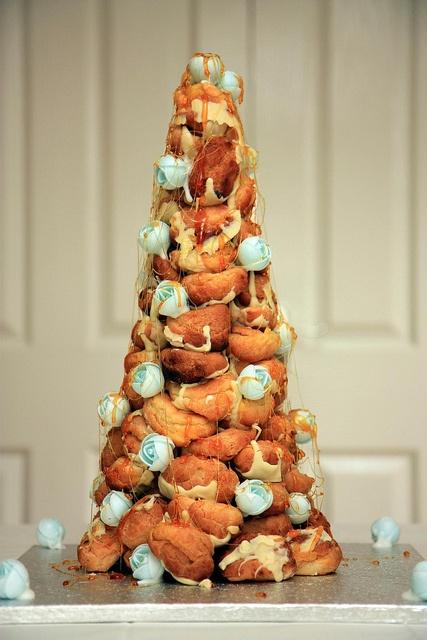 Croque en bouche wedding cake stuff pinterest for Bouche a bouche en chambre