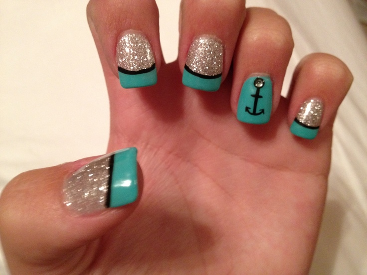 Anybody could do their nails like this. Except me.