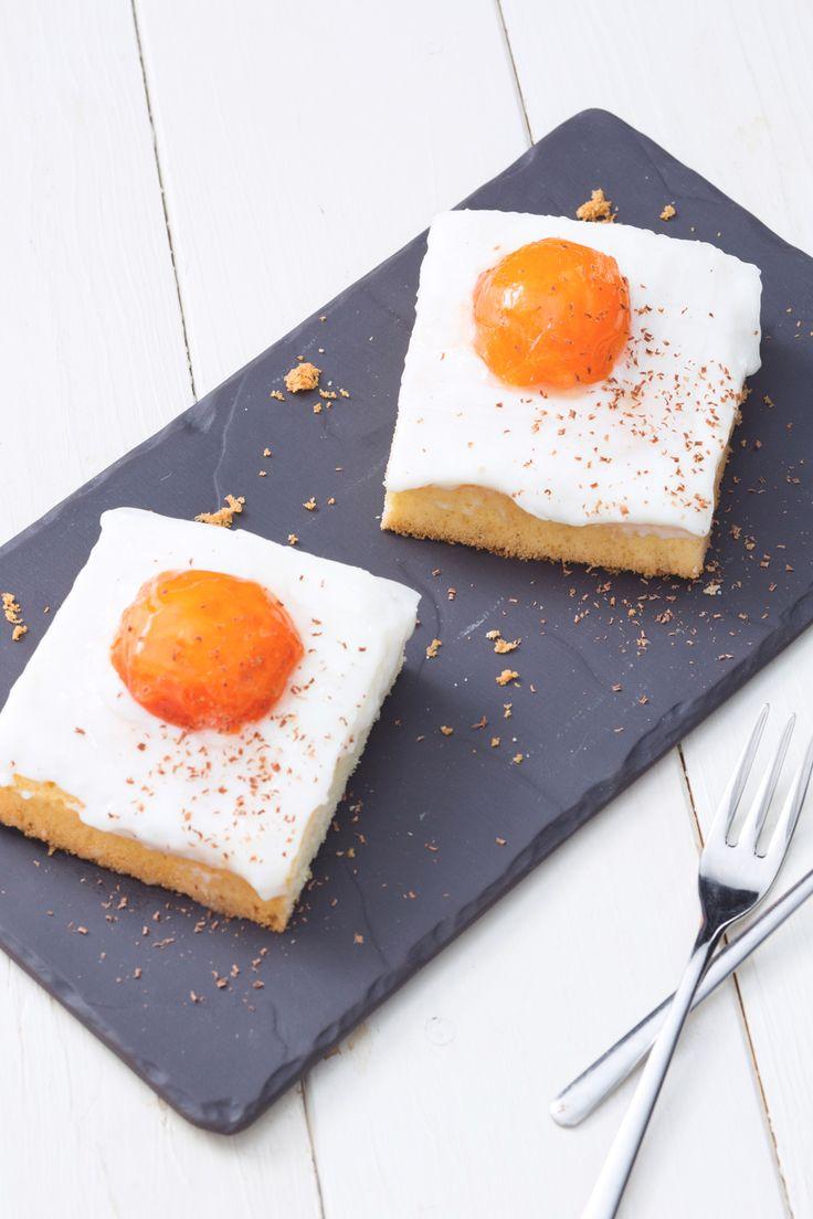 Torta con albicocche fresche: una torta che sembra un uovo al tegamino? Eccola!  [Apricot cake, Spiegeleikuchen]