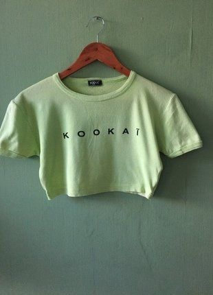 À vendre sur #vintedfrance ! http://www.vinted.fr/mode-femmes/hauts-and-t-shirts-crop-tops/34744840-crop-top-vert-pomme-kookai