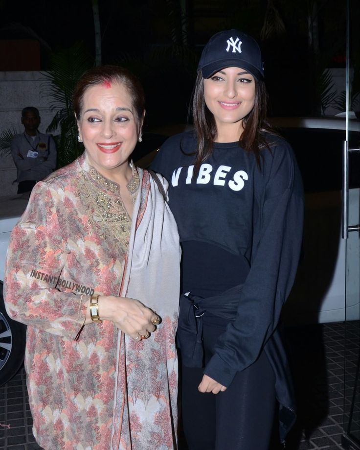 Sonakshi Sinha takes her mom (Miss Young India 1968) Poonam Sinha ji for screening of her movie #WelcomeToNewYork which releases this Friday. @Instantbollywood . . #instantbollywood #bollywood #sonakshisinha #poonamsinha