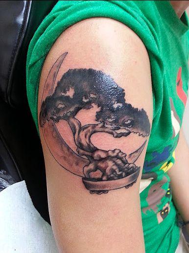 Bonsai and moon by artist Naomi Hart  #tattoo #tattooartist #tattoos #tattooart #inkart #tattooideas #tattooinspiration #tattoolove #tattoobeauty