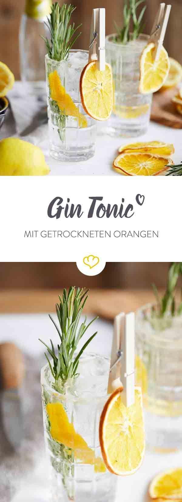 Dieser fantastische Gin Tonic vereint frischen Orangenduft mit kräutrigem Wild-Rosmarin. Der Twist ist ein gedörrtes, knackig süßes Orangenrad als Snack.
