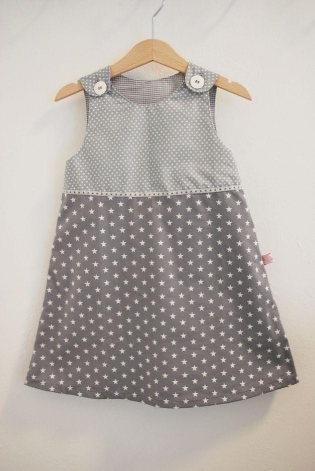 Mädchenkleid  Kleid 104 grau Sterne Punkte