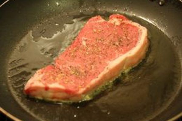 How to Cook a Delicious Steak on the Stove