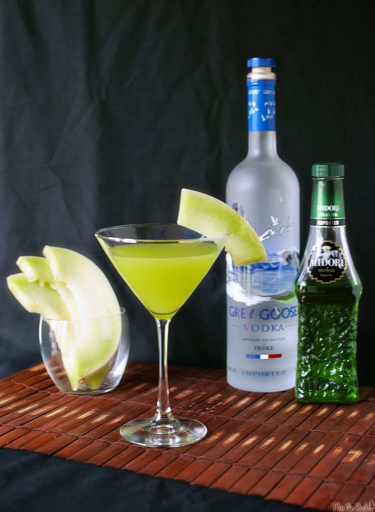 Now this is a drink I can Love! Made with Midori! | Honeydew Martini | @passthesushi.com