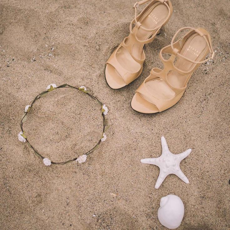 Enchanted Beach http://ow.ly/UUQP0 #wedding #bride #love #flowers #italy #beach #green #sea #boho #details #lookslikefilm #shoes